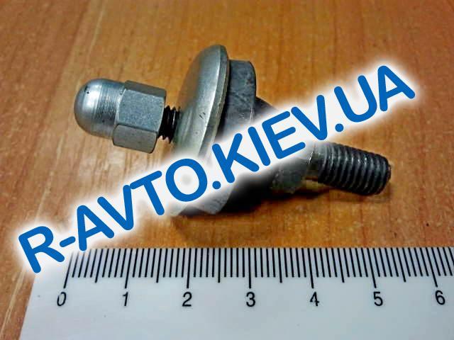 Шпилька клапанной крышки ВАЗ 2108 в сборе