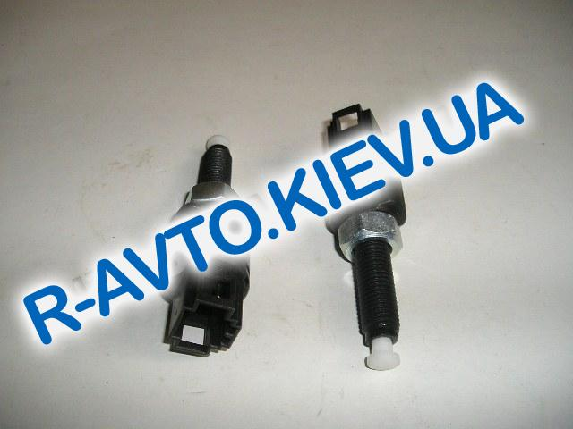 Выключатель педали сцепления ВАЗ 2123, Псков (21.372003)