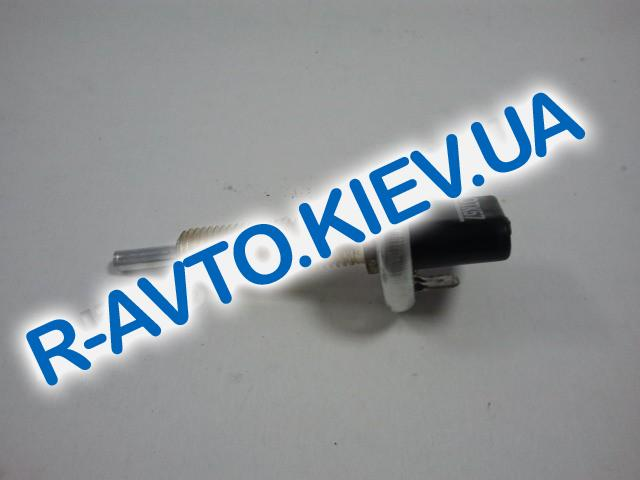 Датчик включения тормоза (педали) ВАЗ 2101-09 Россия (ВК412) металлический