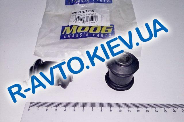 Сайлентблок переднего рычага передний Aveo MOOG DESB7239