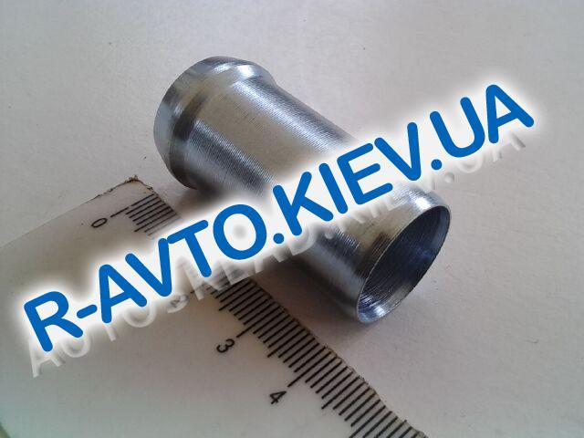 Трубка (втулка) в блок (помпы) охлаждающей жидкости Lanos d16 мм, Украина