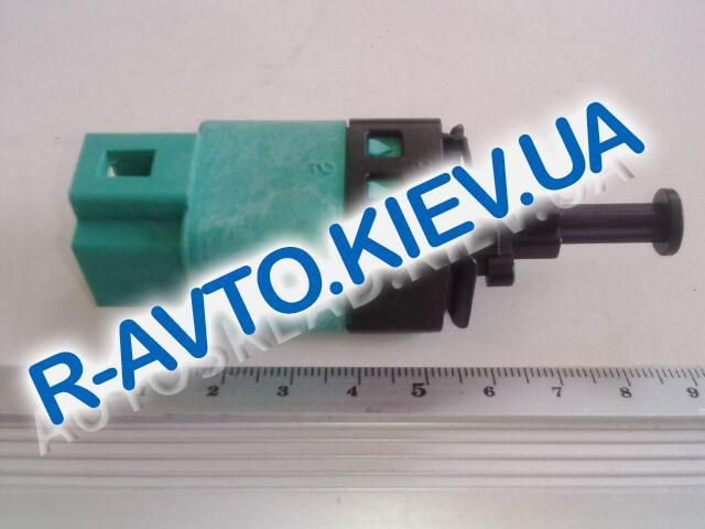 Датчик включения тормоза (педали) Aveo, Корея (96874571) 4-х контакта АКПП
