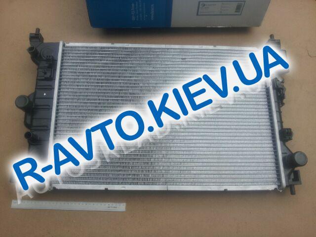 Радиатор охлаждения Aveo T300 (МКПП), Лузар (LRc 0595)