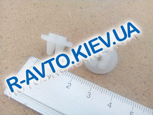 "Пистон  крепления бампера Aveo, ""GM"" Корея (94515252)"