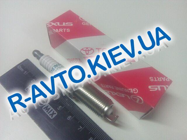 Свечи TOYOTA (9091901247)  1 шт.