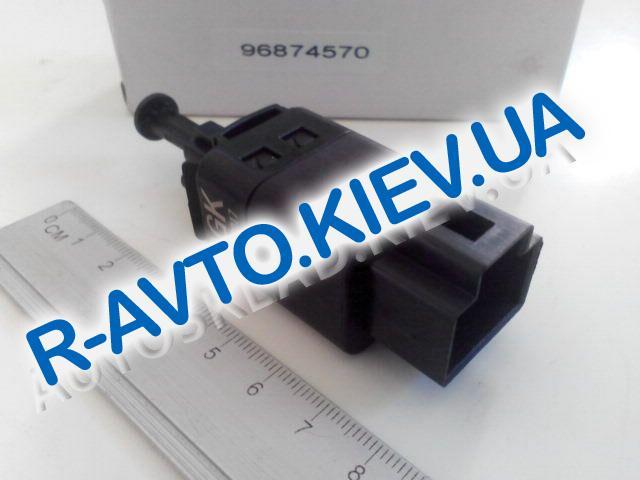 Датчик включения тормоза (педали) Aveo|Lacetti, Китай (96874570) 2-контакта